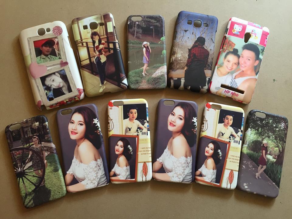 các cặp đôi chuộng in những tấm hình đôi hạnh phúc lên ốp lưng điện thoại để kỉ niệm quãng thời gian ngọt ngào, hạnh phúc