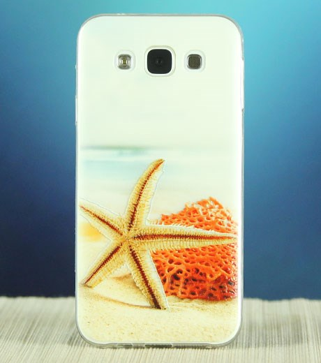 Khang-dinh-ca-tinh-bang-dich-vu-in-hinh-ca-nhan-len-op-lung-iPhone